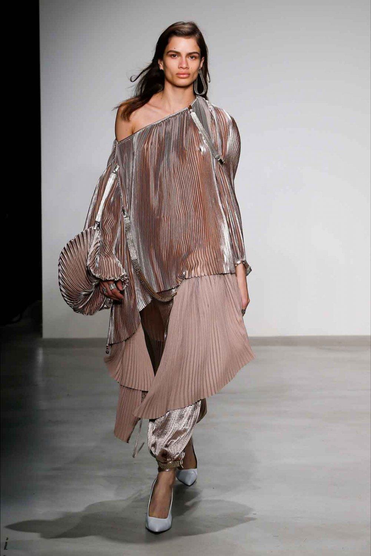 ded47f49fe17 Krizia Boutique Milano - Autumn Winter Collection 2018-19 - Partners ...