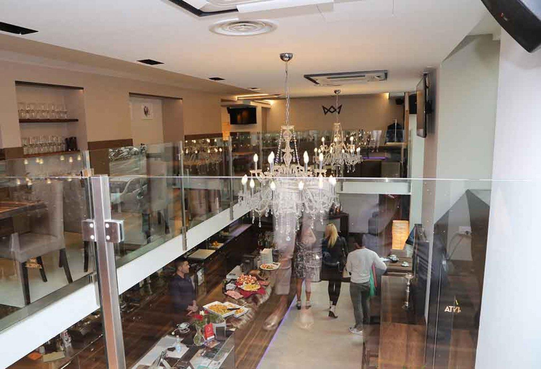 Milan Piazza del Duomo Atypical classy restaurant - Partners ...