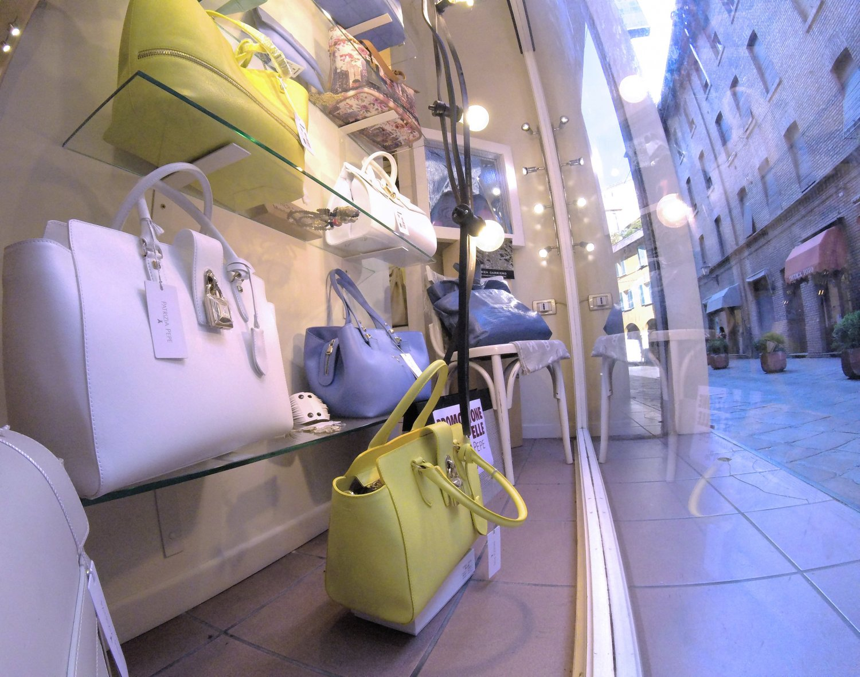 Negozi Borse Bologna.Borgata Bags Leather Bags In The Heart Of Bologna Partners