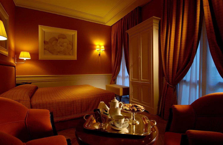 Hotel Corona D Oro Via Oberdan Bologna