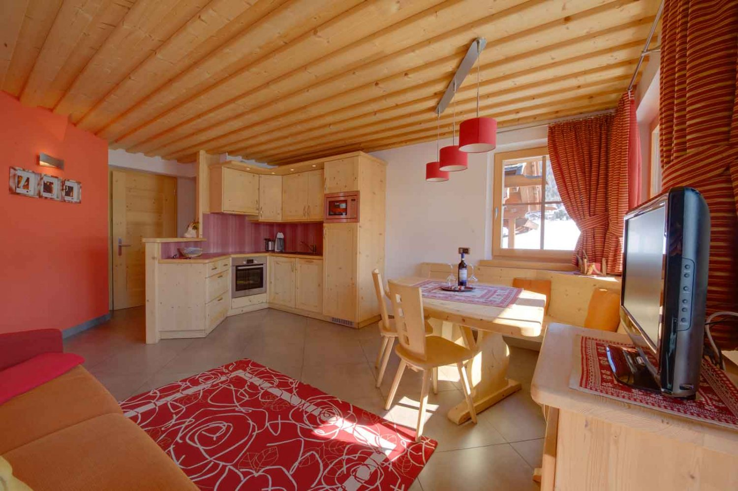 Chalet Nada - Chalet in the centre of Livigno - Partners - Orizzonte ...