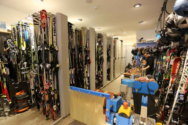 C.elle Sport - Ski rent in Alleghe
