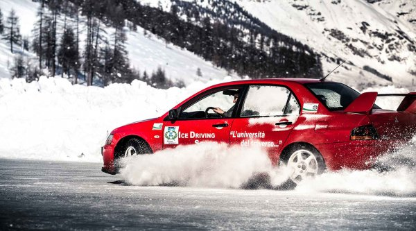 Ghiacciodromo Livigno - Snow and ice driving experience