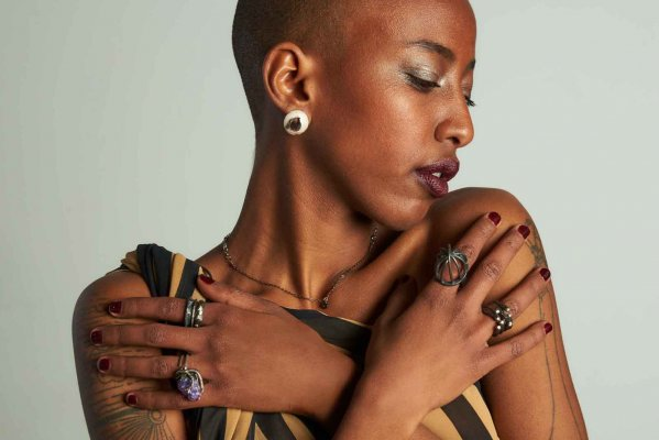 Moh - Contemporary handcrafted jewellery in Milan