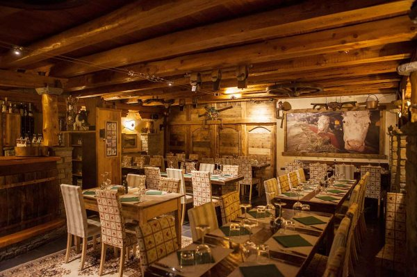 L'Ètoile Pizzeria and Steak House in Courmayeur