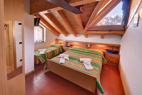 Albasini Refuge - Bar, restaurant, accommodation and ski rental in Folgarida