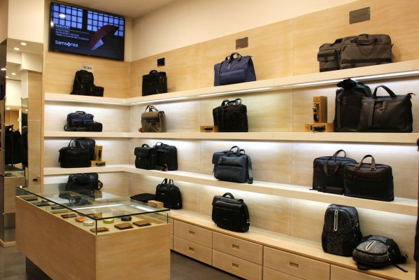Valigeria Serra -  Historic leather goods shop in Bologna