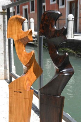 Venetian forcole and oars